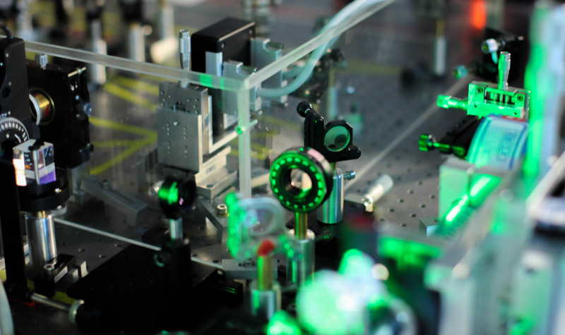 Master and PhD position on Quantum Fluids of Light
